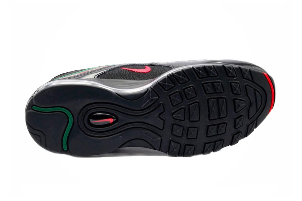 afb233ef82e Ta en närmare titt på kommande UNDEFEATED x Nike Air Max 97