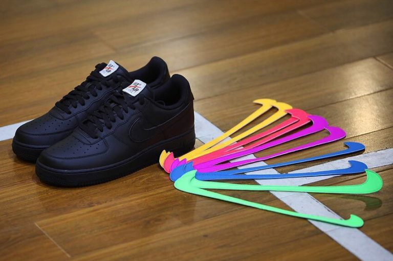 Nike Air Force 1 Low swoosh velcro