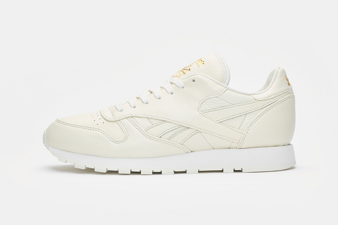 d57e01c7b Sneakersnstuff x Reebok Classic Leather