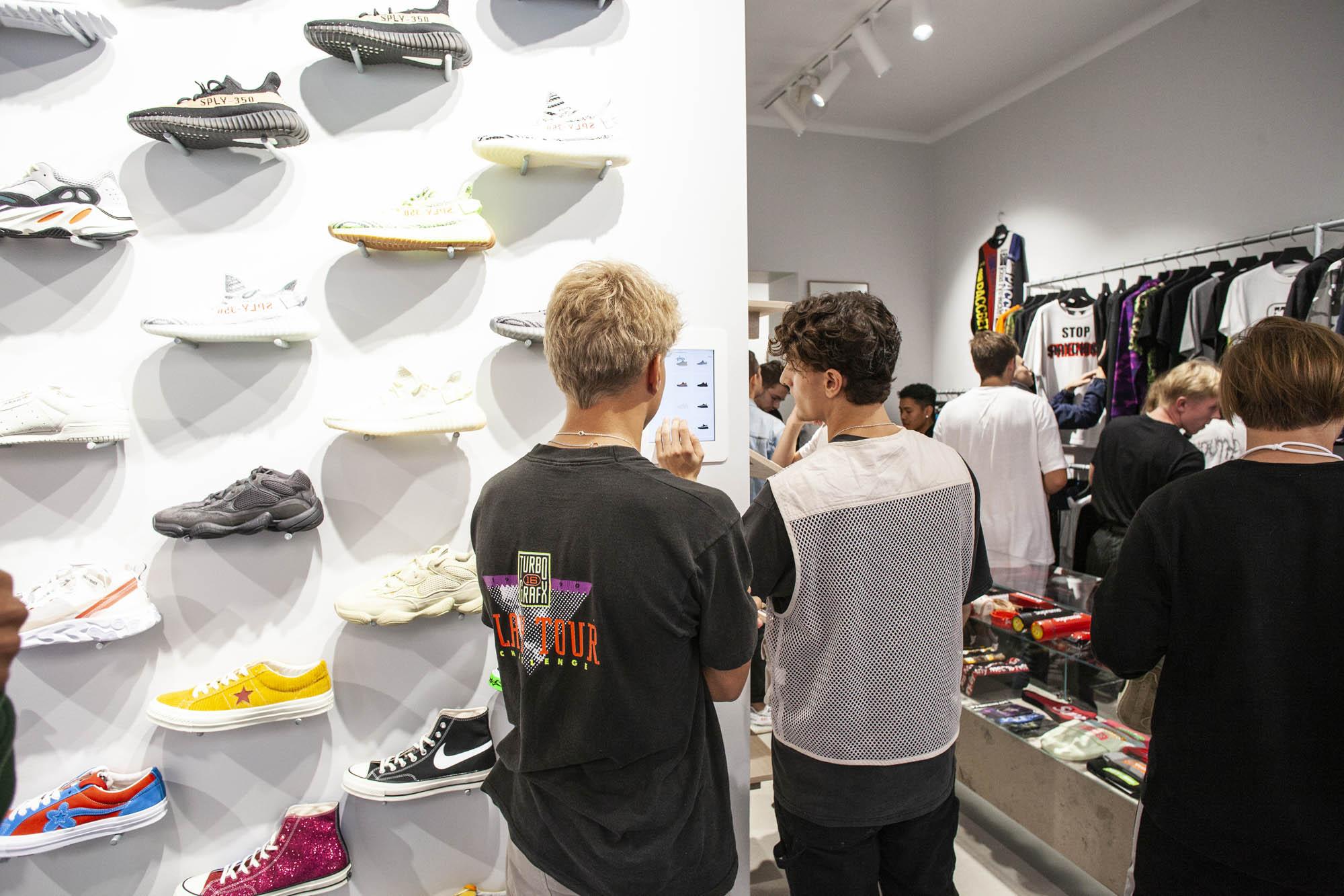 PlugMePlease öppnar sin nya butik i Stockholm | Dopest