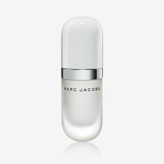 a09febab844b Marc Jacobs Beauty Hydration Trio finns att köpa online men även de  individuella produkterna finns att köpa på Sephora och utvalda Marc Jacobs  ...