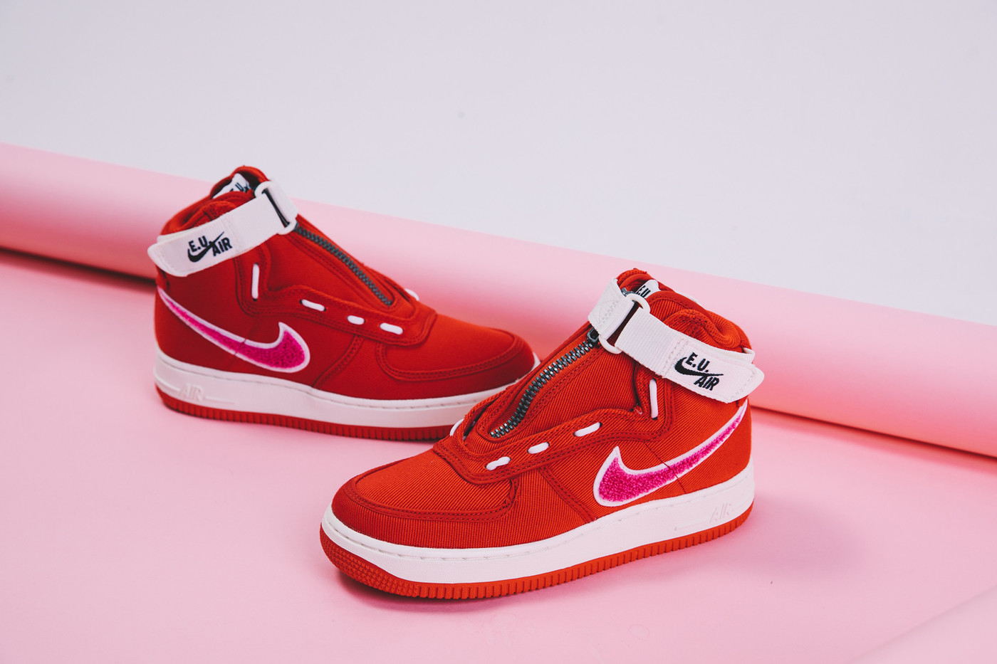 hot sale online 87d3d 1047c Spana in Emotionally Unavailable x Nike Air Force 1 High