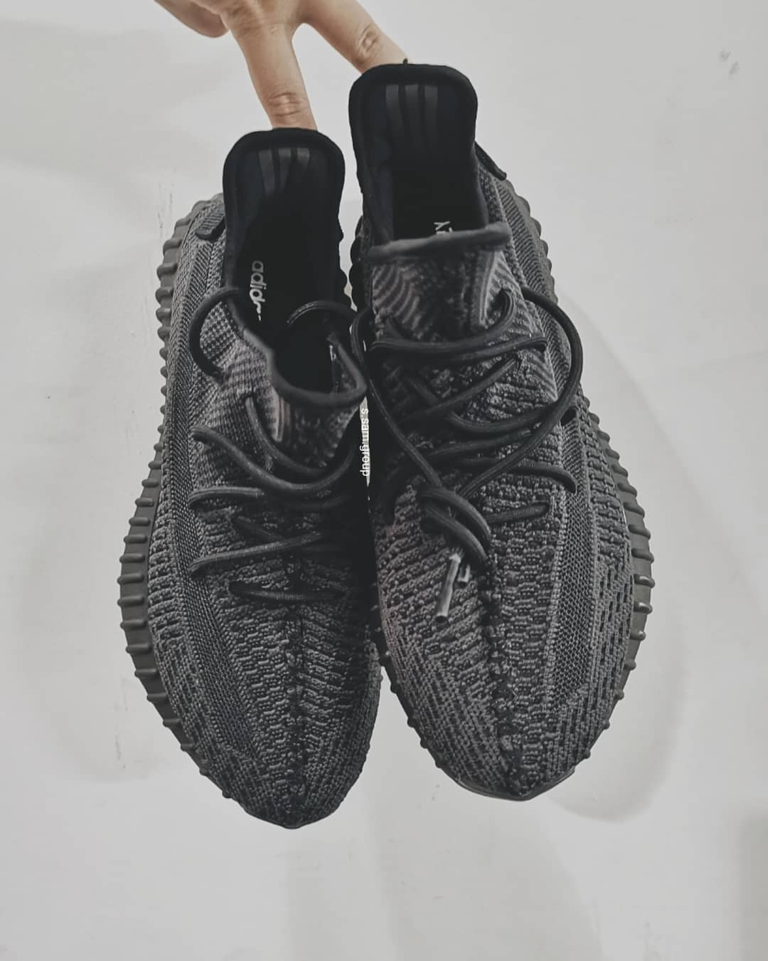all-black-yeezy