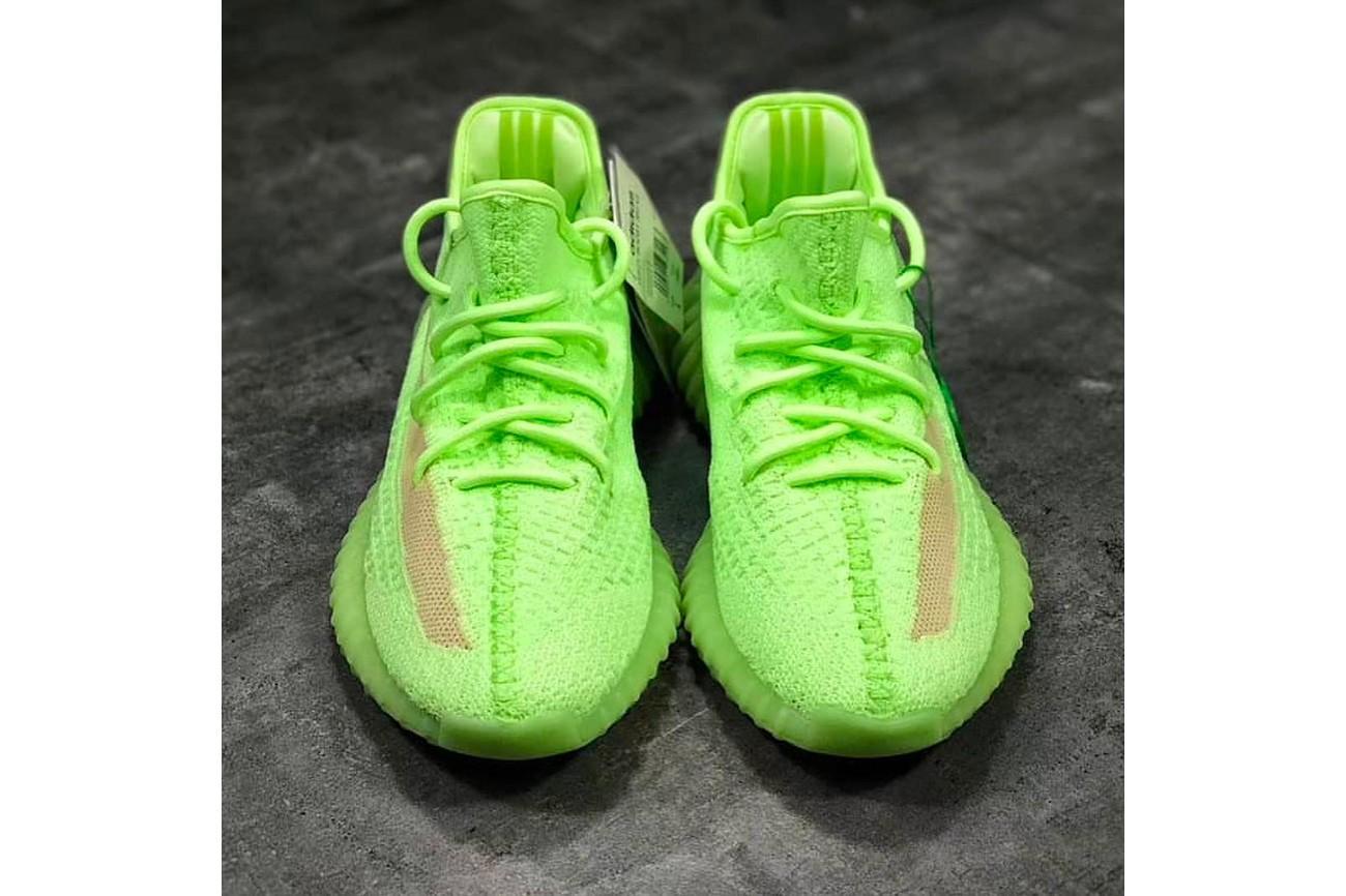 Kanye West är tillbaka och släpper 3 nya skor med Adidas