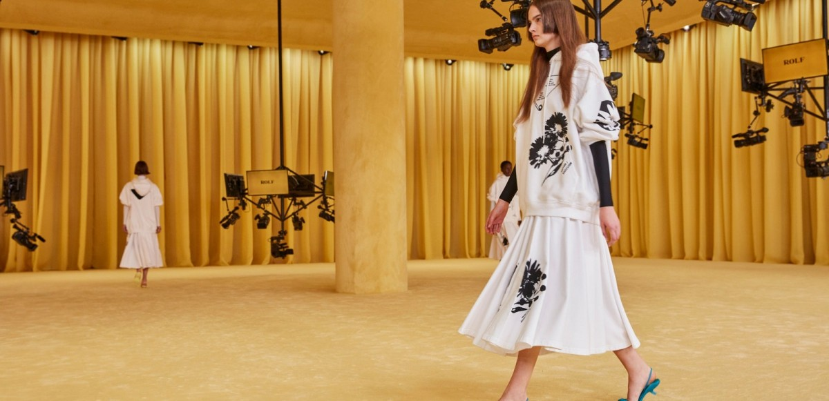 Miuccia Prada och Raf Simons debuterar sin första kollektion– Se Prada Spring 2021